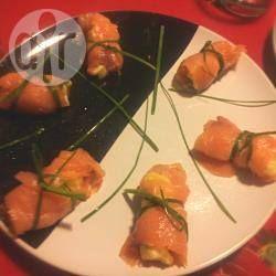 Rotolini di salmone ripieni di insalata russa @ allrecipes.it - Antipasti di Natale