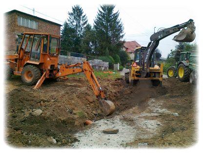 Prace ziemne, drenaż i odwodnienia, podczas przygotowania do ułożenia instalacji odwodnienia terenu Wadowice.