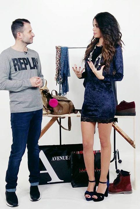 Fashion outfit, αξεσουάρ και Style tricks για το weekend!! Ολα οσα χρειαζεστε θα ενημερωθητε μεσα απο το Fashion News on MYtv με τον Nektarios Vazakopoulos και την Katia Kakoulaki.. Ποιος δεν λατρεύει όταν έρχεται Παρασκευή και περιμένουμε με αγωνία το weekend! Όλοι μας κάνουμε τις βόλτες μας με φίλου πάμε για καφέ,  σινεμά,  για φαγητό.  Το στυλ του σαββατ/κου παραμένει κλασικά super!  Δεν μας πτοεί το κρύο αφού είπαμε υπάρχουν τόσοι τρόποι για να δείχνουμε κομψοί και Stylish ακόμα και το…
