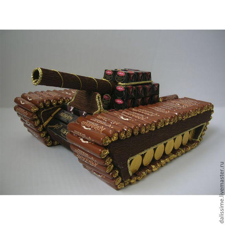 podarki-k-prazdnikam-tank-iz-konfet-n1716.jpg (768×768)