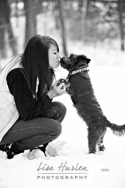 Senior picture - Pose with dog. I want this done so badddddd!!