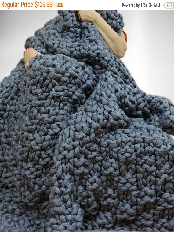 1000 ideas about chunky knit blankets on pinterest hand knit blanket giant knit blanket and. Black Bedroom Furniture Sets. Home Design Ideas