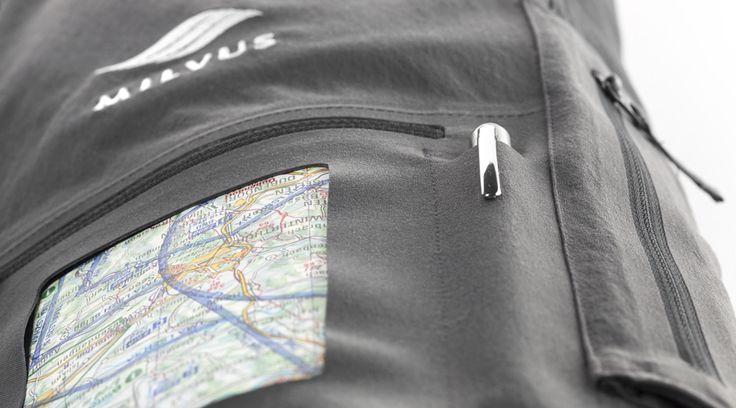 Schreibeinlagen mit Stifthalter für Checklisten,  Notizen und Flugkarten.
