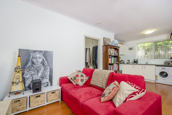 4/119 Park Crescent, Williamstown. This is an ace first base. Finding a city edge residence that meets every single priority of a first homebuyer and investor is exciting! Tucked away to the rear and so quiet with KC White Reserve situated opposite - the scene is absolutely serene.