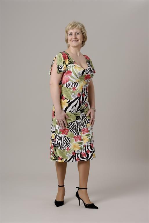 18. Letní šaty se zvonkovým rukávkem - gala móda - xxl oděvy - nadměrné velikosti