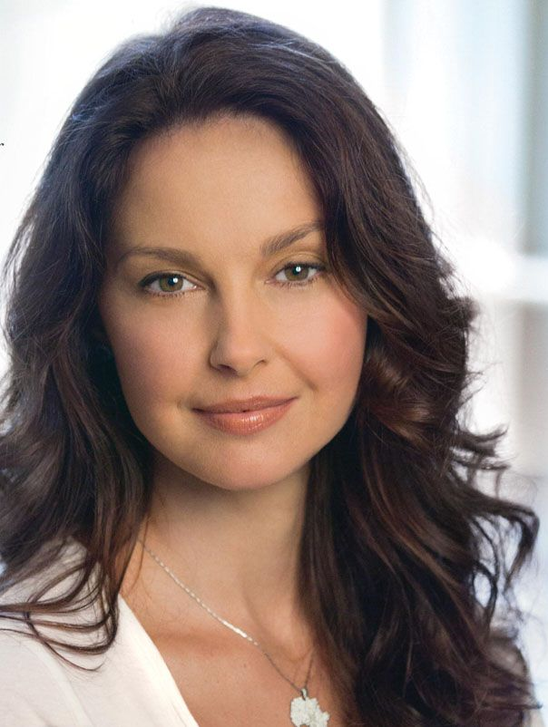 Ashley Judd could pass for Lynda Turner in the Mended Hearts series, book 3, Jilted.