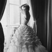 Audrey Hepburn en robe de mariée Fifties sur le tournage de Funny Face, Jane Birkin habillée de dentelle pour son mariage avec Serge Gainsbourg, Brigitte Bardot en bustier immaculé pour le film Et dieu créa… la femme… Tour d'horizon des plus belles robes de mariée vintage aperçues sur Pinterest, pour trouver de l'inspiration pour le jour J.