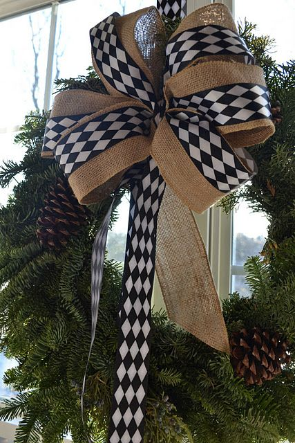 I love the burlap and black and white checkered ribbon for unique Christmas look!!: