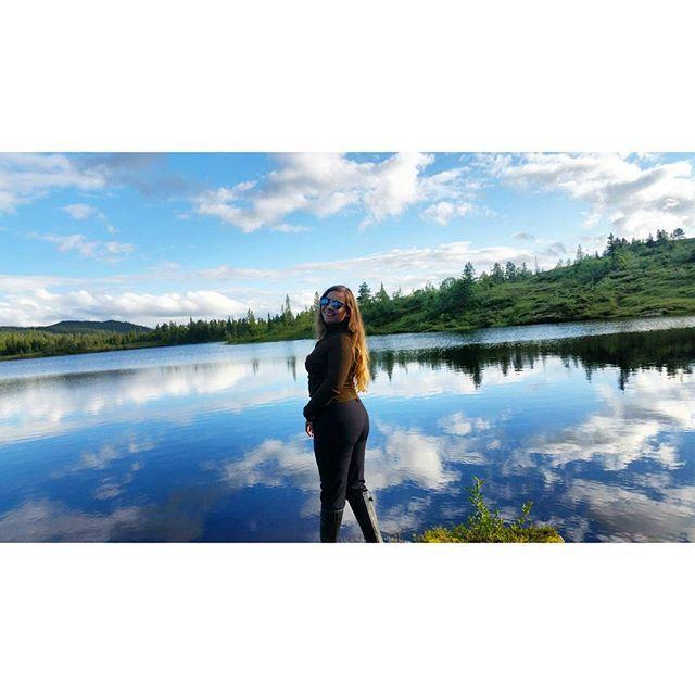 norsk natur ❤ #nrksommer #utno #visitnorway #visittrondelag #girlswhofish #summer #fishing #cabinlife #like4like #likeforlike #liveterbestute