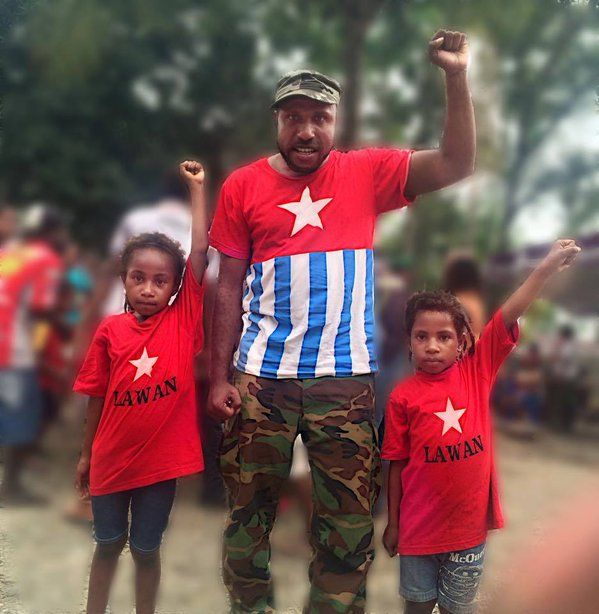 My comandate Victor Yeimo and 2 sisthers. Free West Papua Merdeka.