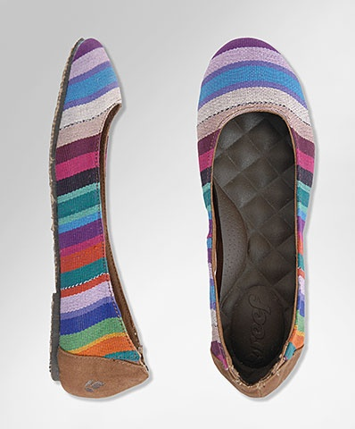 Each one of the intricately woven Reef Tropics have been crafted by artisans in the Mayan highlands of Guatemala. This traditional craft of ikat weaving is a centuries old technique that has been passed down from generation to generation. These shoes feature the bold colors and patterns often seen in typical Mayan wrap skirts. Through a partnership with nonprofit organization Nest, Reef is providing an opportunity for these women to create a sustainable living. These shoes change lives.