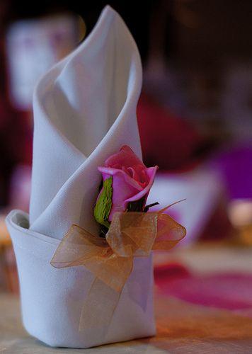 <3  Romantic Napkin Fold~ lovely for a wedding