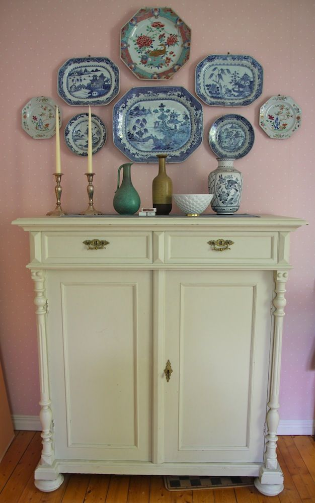 best 25 plates on wall ideas on pinterest plate wall decor dining plates and plate wall. Black Bedroom Furniture Sets. Home Design Ideas