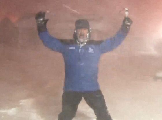 The Weather Channel's Jim Cantore Can't Stop Freaking Out About Thundersnow While Reporting Live  Jim Cantore