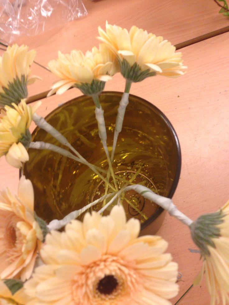 Stifting av blomster til dråpebukett