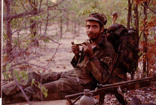 R4 rifle.