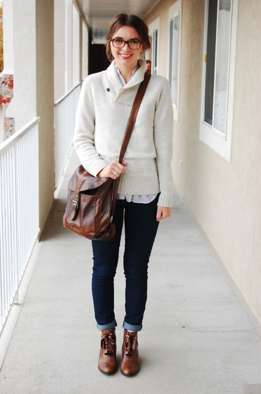 Jeans, brown leather ankle boots, blouse, vanilla knit sweater, glasses, leather bag