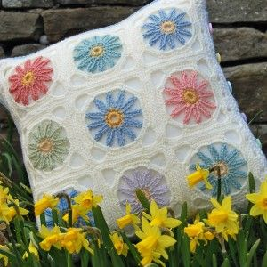 crochet flower cushion pastel - front