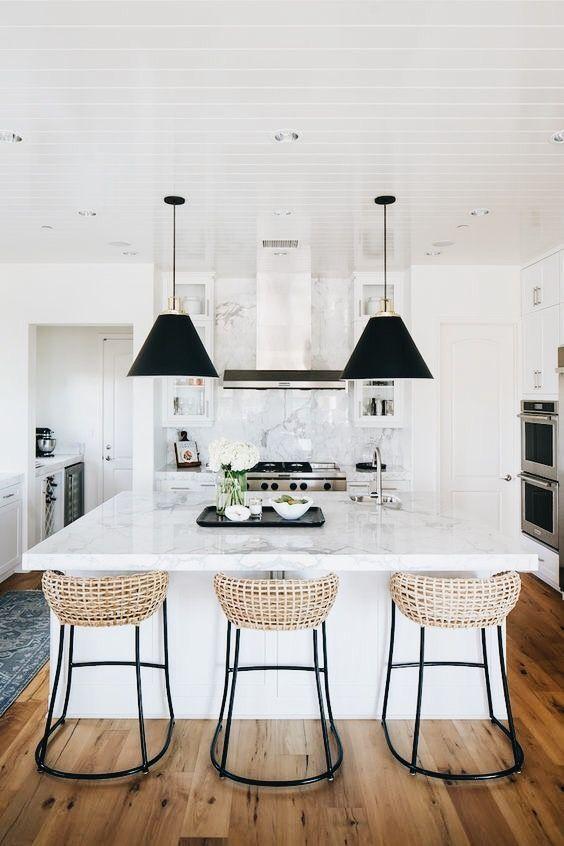 Beautiful white marble kitchen countertops