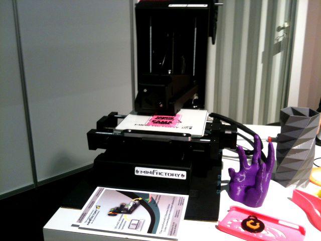 TEK edistää tekniikkaa ihmisen, elinympäristön ja yhteiskunnan parhaaksi. TEKin Pasilan toimistolla on käytössä WWF:n Green Office -ympäristöjärjestelmä. 3D-tulostinta ei vielä löydy, mutta ehkä tulevaisuudessa? #teknologia #3dtulostus #tekniikanakateemiset #toimisto