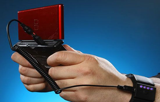 25 Amazing Gadgets To Make Your Life More Interesting, Universal Gadget Wrist Charger