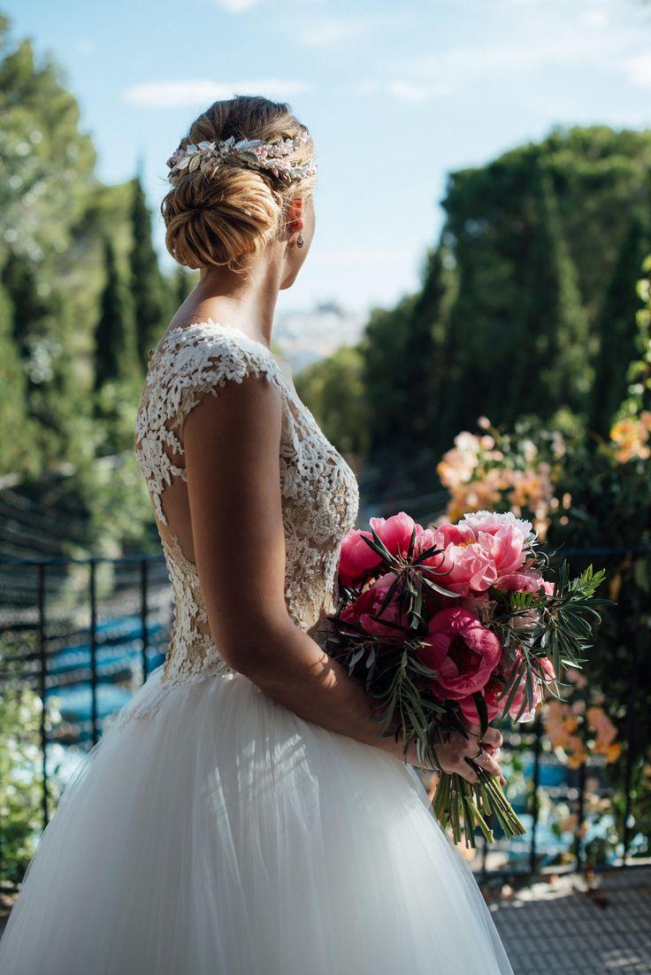wedding decor, planner, organizacion eventos, inspiracion boda, xxl bridal bouquet, st patrick, paloma cruz eventos | Photo by Kiwo
