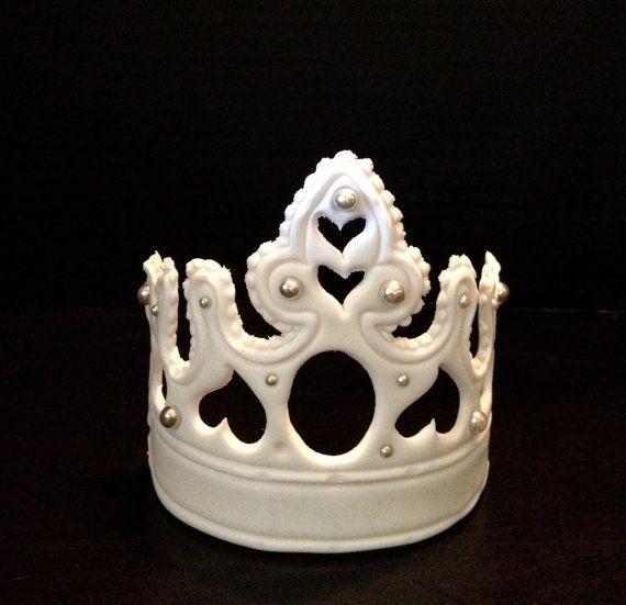 Cake Decorating Crowns : Large Fondant Crown - Tiara Cake Decoration