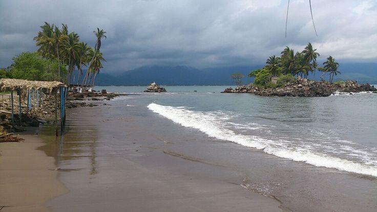 Las Islitas, Bahía de Matanchén, Riviera Nayarit, México. Lugar ideal para surfistas. Las Islitas, Matanchen Bay, Riviera Nayarit, Mexico. An ideal spot for surfers.