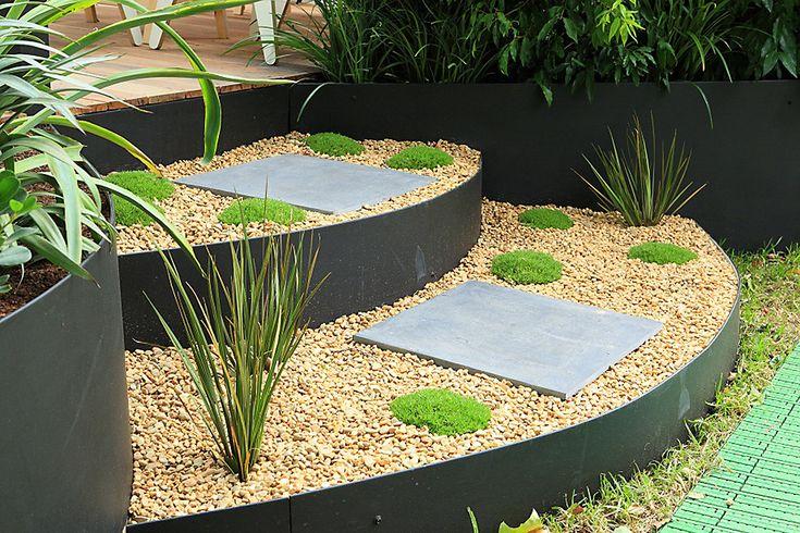 DIY Galvanized Metal Garden Edging