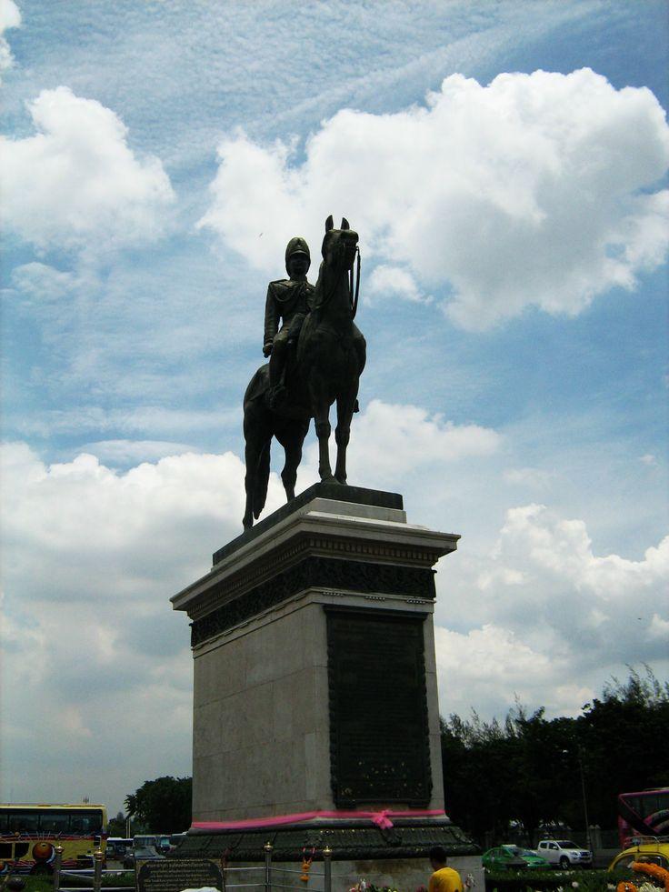 Equestrian statue #bangkok #thailand