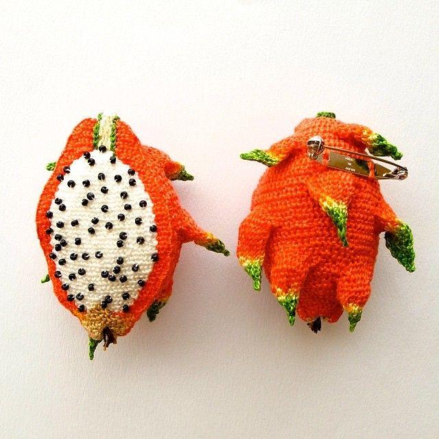 ドラゴンフルーツのブローチ #hipota #brooch #embroidery #bazaretgardemanger