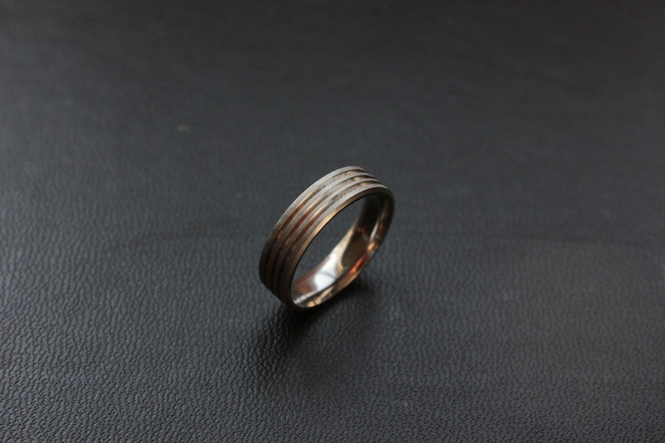Titanium ring with 3 grooves