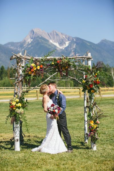 Rustic mountain wedding: http://www.stylemepretty.com/montana-weddings/ronan/2014/10/03/rustic-montana-ranch-wedding/ | Photography: Kristine Paulsen - http://kristinepaulsenphotography.com/