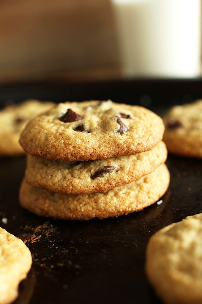 7 ingredient gluten free chocolate chip cookies that taste just like Keebler Soft Batch cookies! Tender, wholesome and so addictive.