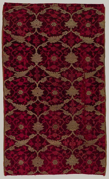 Loom-width piece of velvet, late 15th century / Probably Bursa, Turkey, possibly Venice / Silk velvet pile and voided areas brocaded with silver-gilt-wrapped silk wefts