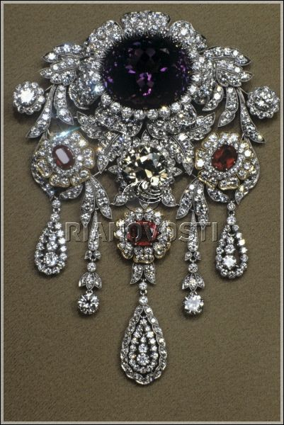 "Necklace ""Jubilee."" Platinum and gold. 512 Diamonds (91.24 ct.) and 31 Rubies (18.71 carats). Moscow, Russia."