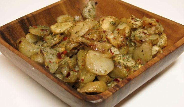 Fűszeres indiai zöldséges étel. Lényege, hogy a főtt csicsókát egy fűszeres dinsztelt hagymás-fokhagymásalappal összeforgatjuk. Köretnek kiváló!