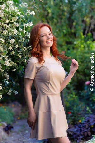 http://www.meetyourlady.com russian brides catalogs online