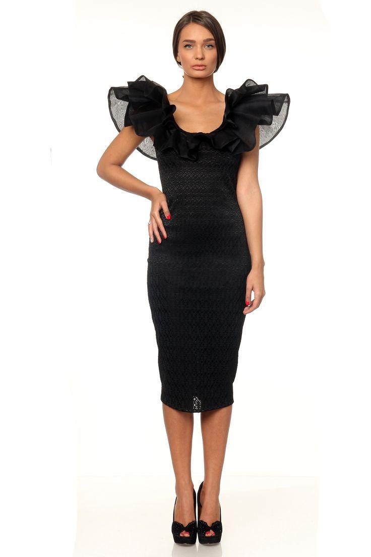 Marie Ollie drama dress - www.marieollie.com