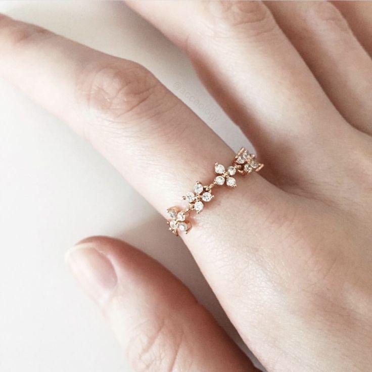 Winter Flower Ring (rose gold)