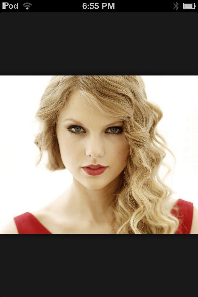 She so good at singing that's Tay Tay