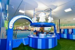 茨城県つくば市に2016年12月にグランドオープンしたピュアハートキッズランドLALAガーデンつくば  完全会員制(年会費315円/1家族)の大型室内公園です 店内にはとても広いボールプールやホワイトサンドの砂場大型遊具お子様の大好きな遊びがいっぱいです  ドレスに着替えて写真が取れるフォトスタジオも大人気 赤ちゃんにも安心のヶ月までのお子様専用のベビーパークもございます 1時間に1回のイベントは大型絵本の読み聞かせや舞台に上がってのリズム体操その他保護者の方にはマッサージチェアやカフェテリアもあるので世代そろって一日中楽しめるスポットです tags[茨城県]