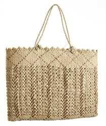 ME011515 Kete Whakairo (bag)