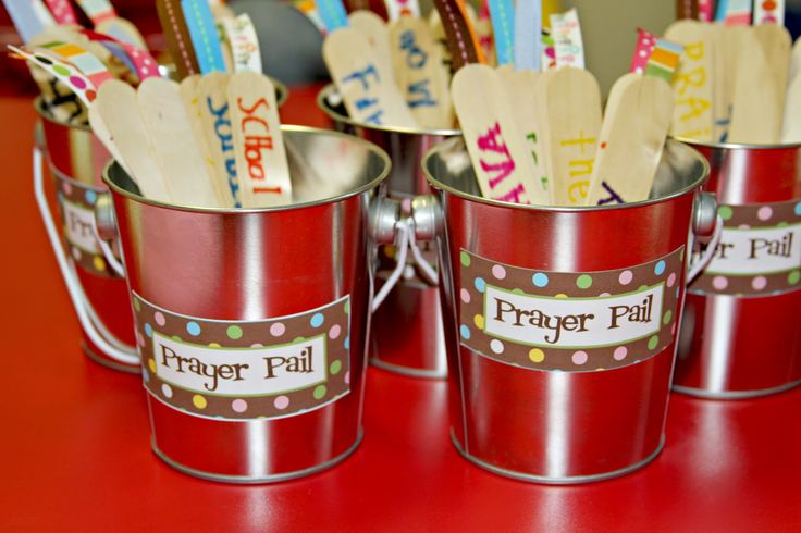 Prayer pails - Rejoice, pray, Give thanks 1 Thes 5:16-18 (note: printable label on site). Could do a variation and do Prayer Pockets for flat surface craft.