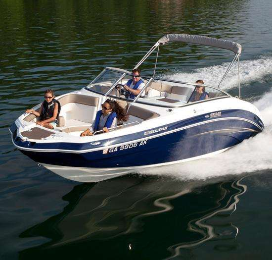SX240 High Output Yamaha jet boat room for everyone!