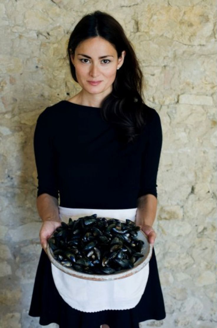 Blog Love: You'll definitely develop a life crush with French Blogger Mimi Thorisson. She documents her life in Medoc, France with her beautiful family  delicious meals.