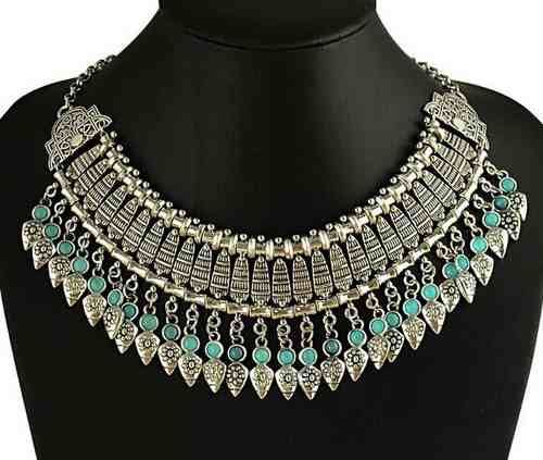 collar plateado etnico