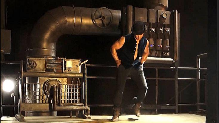 "Aamir Khan in ""Dhoom Tap"" from *Dhoom 3* (2013) | Aamir Khan Proves He's Top Dog in ""Dhoom Tap"" (Dhoom 3) http://www.fallinginlovewithbollywood.com/2014/05/aamir-khan-proves-hes-top-dog-in-dhoom-tap-dhoom-3.html"