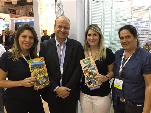 Região turística do Pólo Cuesta foi representada na World Travel Market Latin America 2017 -   Os municípios que fazem parte do Pólo Turístico da Cuesta participaram de mais uma edição da WTM - World Travel Market Latin America, que ocorreu entre 4 a 6 de abril, no Expo Center Norte, em São Paulo.  O evento atraiu um público de vários cantos do mundo com objetivo de se reunir e - http://acontecebotucatu.com.br/regiao/regiao-turistica-polo-cuesta-foi-rep