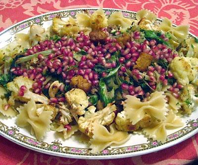 Kale, cauliflower and pasta with pomegranate | vegan recipes ...